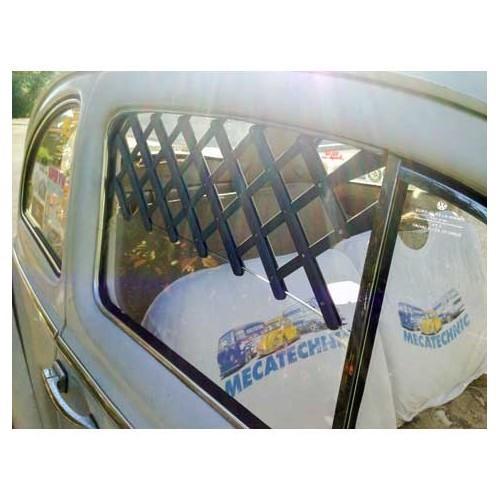 grille d 39 a ration vintage sur vitre de porte roadloisirs. Black Bedroom Furniture Sets. Home Design Ideas